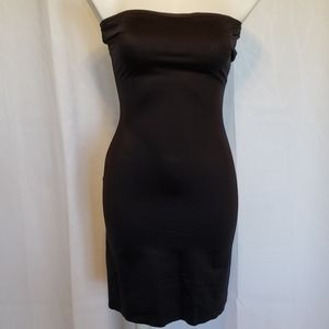 Spanx size Large Black Strapless Slip
